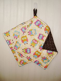 Fabric Potholders Set of 2 Owl Potholders by MarlenesSewingRoom  https://www.etsy.com/listing/165294908/fabric-potholders-set-of-2-owl?ref=sr_gallery_24&ga_search_query=pot+holders&ga_page=17&ga_search_type=all&ga_view_type=gallery