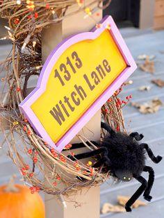außendeko ideen halloween party hexen straßenschild spinnen