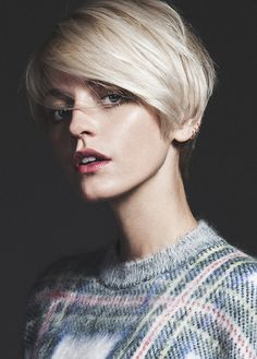 Side part short bob hair
