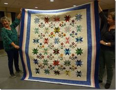 Last thursday in september Sylvi Ruud visited my quilt group. She had brought a lot of handmade purses and bags. Hunters Star Quilt, Handmade Purses, Purses And Bags, Quilts, Stars, Home Decor, Handmade Bags, Handmade Handbags, Decoration Home