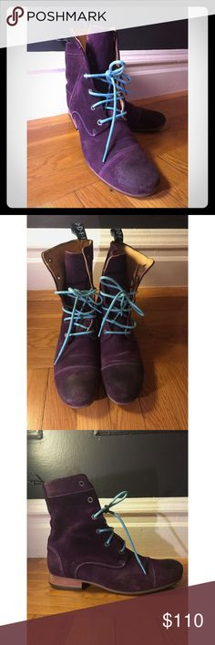 John Fluevog - Radio BBC's Worn a few times only. Note: worn look at toe is part of the look and how the boots came. Run a little small, closer to a 9.5. Beautiful saturated violet leather. Shoes Lace Up Boots
