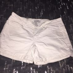 Aeropostale high waisted white denim shorts Never been worn aeropostale high waisted white denim shorts are perfect to throw on in the day with a T-shirt and then dress up for a hot summer night!!! Aeropostale Shorts Jean Shorts