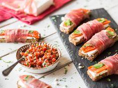 Brotpralinen mit Feta und gegrillter Paprika