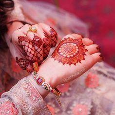 Major mehndi goals ------------------------------------ #henna#whitehenna#mehndi#tattoo#bride#mehndiartist#wedding#hennaartist#bridalhenna#Pakistanimehndi#bridalmehndi#picoftheday#art#floral#pattern#mehndidesign#hennadesign#inspirationalhenna#hudabeauty#mehndilove#mehnditattoo#dulhan#hennabymk#mehendi#hennainspire#illustration#doodle#bodyart