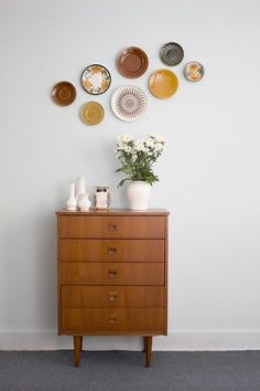 Decorative plates on the wall can be very inexpensive way to decorate large areas of wall space and of course they can be produced by your. & DIY Hanging Plate Wall Designs with Fine China Fancy Plates ...