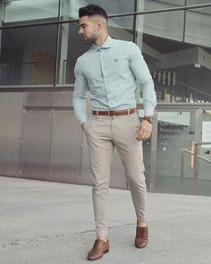 Casual interview attire for men is an important topic. So, we have put together the best business casual outfits for men. Take a look to get inspiration! Best Business Casual Outfits, Business Attire For Men, Stylish Mens Outfits, Mens Dress Outfits, Dress Clothes For Men, Men Party Outfit, Simple Outfits, Man Outfit, Party Outfits