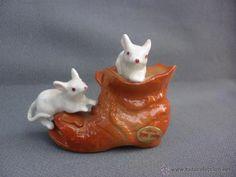miniatura ratones en zapato de porcelana de ref - Comprar Porcelana y cerámica vintage en todocoleccion - 52841195 China, Pudding, Desserts, Food, Tea Sets, Porcelain, Miniatures, Zapatos, Meal