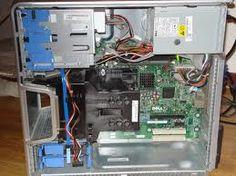 zo ziet de binnenkant van een computer kast eruit
