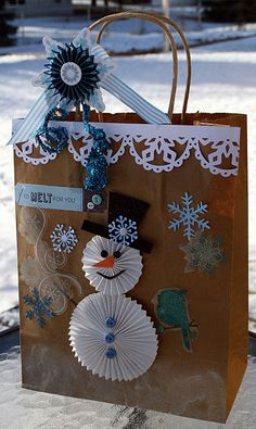 Cute rosette snowman...would be cute on a layout!