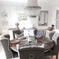 Adorable 100+ Brilliant Farmhouse Dining Room Design and Decor Ideas https://centeroom.co/100-brilliant-farmhouse-dining-room-design-decor-ideas/