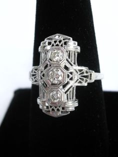 Art Deco 18K Diamond Ring c. 1930