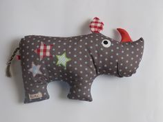 Cuddly and cuddly pillow rhino Sewing Stuffed Animals, Stuffed Animal Patterns, Softies, Baby Toys, Kids Toys, Tilda Toy, Handmade Wooden Toys, Cute Baby Gifts, Fabric Animals
