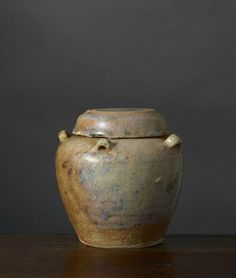 Jarre couverte, Vietnam, Période Annam-Six Dynasties, 6e–7e siècle