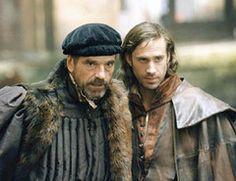 "Joseph Fiennes - ""The Merchant of Venice"" (2004) - Costume designer : Sammy Sheldon"