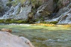 Traumhaft schön für den, der sich Zeit nimmt den Zauber zu entdecken - #Licht Reflektionen und Farbenspiele im #Fluss