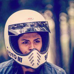 #bellmoto3 #racer #womenriders #caferacermexico #caferacer #motorsport #mexico #cdmx #ifrd2018 #moya Cafe Racer Mexico, Bell Moto 3, Biker Girl, Helmets, Motocross, Motorcycle, Sport, Girls, Hard Hats