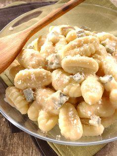 Gnocchi au gorgonzola et parmesan : Recette de Gnocchi au gorgonzola et parmesan - Marmiton