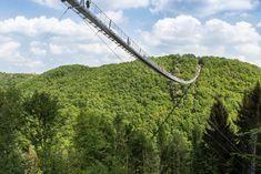 In luftiger Höhe über dem Hunsrück – Geierlay Hängeseilbrücke – lichtwolken