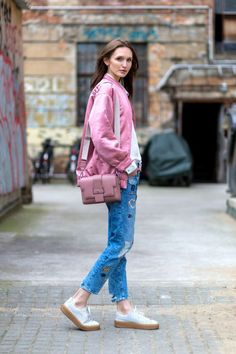 Confira looks lindos com peças em tons de rosa.
