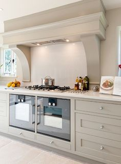 Did you know, if there are various concepts of kitchen design and decoration styles that can be applied to your home. One of them is the design and decoration of a farmhouse kitchen. The design or decoration of this… Continue Reading → Rustic Country Kitchens, Modern Farmhouse Kitchens, Farmhouse Kitchen Decor, Farmhouse Table, Farmhouse Interior, Country Farmhouse, Country Decor, Farmhouse Ideas, Modern Country Style