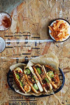 Tästä ei hodari parane! Kimchi ja parsa ovat uudet trenditäytteet | Me Naiset Korean koira hot dog