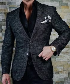 Men's Jackets For Every Occasion. Photo by Menswear Market Jackets are a must-have in the cold weather but it can also be used to accessorize an outfit. Mens Fashion Blazer, Suit Fashion, Fashion Clothes, Stylish Men, Men Casual, Casual Wear, Smart Casual, Terno Slim, Mode Man