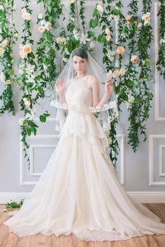 This is my dream dress! It has all the elements that I love! Please someone find this dress for me!