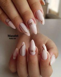 Long acrylic nails are too sharp, and short nails are too ordinary? Then you need almond nails, which are of moderate length. Almond nails are named after their shape similar to almonds. White Acrylic Nails, Almond Acrylic Nails, Best Acrylic Nails, White Gold Nails, White Almond Nails, Crackle Nails, Black Nail, Pink White, Nagellack Design
