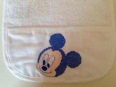 Babador do Mickey. #crossstitch #pontocruz #euquefiz #mickey