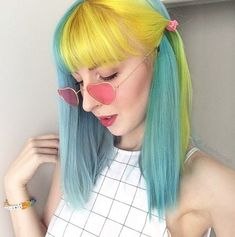 Hair dyed half colour 20 Ideas Half And Half Hair Color Colour dyed hair Ideas Yellow Hair, Pink Hair, Neon Hair, Violet Hair, White Hair, Hairstyles With Bangs, Pretty Hairstyles, Pelo Guay, Split Dyed Hair