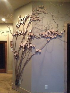 Tree art, twig art for wall decor, wall art with mountain laurel twigs, wood slices Branch Decor, Tree Wall Decor, Diy Wall Decor, Home Decor Wall Art, Diy Wand, Twig Crafts, Decor Crafts, Metal Walls, Metal Wall Art