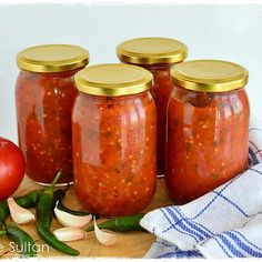 Nefis bir acı sos tarifim var 🌶️🌶️ Bu sosu az acı sevenler de yapabilir. Yemeklerinizin içine azıcık acı sostan koyarak…