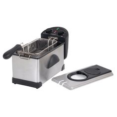Enjoy the taste and texture of all your favorite fried food with the selection of this wonderful PREMIUM Stainless Steel Deep Fryer. Oil For Deep Frying, Frying Oil, Quick Meals For Two, Home Deep Fryer, Electric Deep Fryer, Oil Storage, Hamilton Beach, House Smells, Storage Containers
