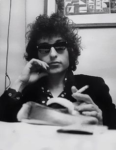 Bob Dylan cigarette wait for coffee of course >8)
