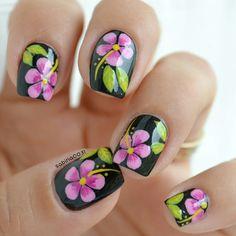 Hibiscus nail art #nails #nailart #naturalnails #flowers #colors #colorful #love