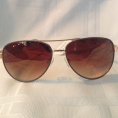 Woman's Sunglasses Woman's Aviator Sunglasses With A Touch Of Bling !!! Rocawear Accessories Glasses