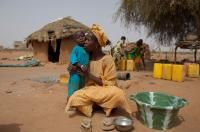 Mother and child affected by the food crisis in the #Sahel Region in West Africa.