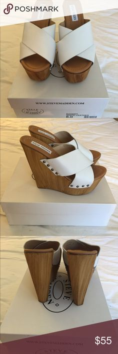 Steve Madden, BANDDY white leather, size 7.5 Posh wooden slip on with leather bands! EASY to wear, super flattering ❤️ white leather size 8.0 runs slightly small, brand new Steve Madden Shoes Platforms
