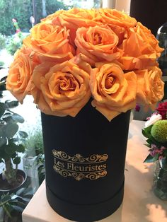 #FlowersInABox #ανθοσύνθεση #ανθοπωλείο #lesfleuristes #διακόσμηση #καπελιέρα #λουλούδια Flower Boxes, Flowers, Food, Window Boxes, Florals, Eten, Flower, Meals, Flower Containers