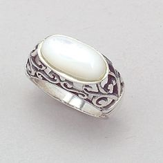 Antique-looking opal ring