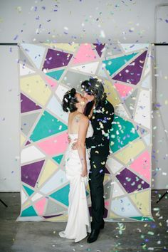 Geometric wedding theme and details is one of the hottest trends of last and this year; we've already told you of geometric wedding cakes, and now it's time to discuss décor and other touches. A geometric wedding backdrop. Diy Wedding Photo Booth, Diy Wedding Backdrop, Diy Backdrop, Ceremony Backdrop, Wedding Ceremony, Wedding Photos, Wedding Decorations, Wedding Ideas, Wedding Church