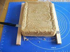 Nápady ako si uľahčiť zdobenie tort a ušetriť desiatky eur Cake Decorating Techniques, Cake Decorating Tutorials, Baking Tips, Baking Recipes, Baking Ideas, 70th Birthday Cake, Cake Topper Tutorial, Cake Craft, Sweet Cakes