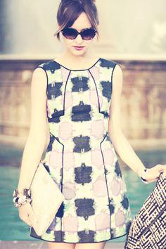 Patterned Shift dress, printed dress, '60s style, mod fashion, shift dress