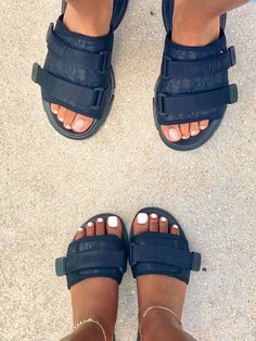 Cute Sandals, Shoes Sandals, Shoes Sneakers, Sneakers Fashion, Fashion Shoes, Swag Shoes, Fresh Shoes, Hype Shoes, Sneaker Heels