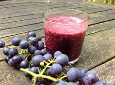 Wat kan je gezond drinken? Hier lees je hoe je zelf druivensap kunt maken. Zelf druivensap maken is heel makkelijk!