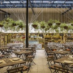 El Huerto de Lucas is a food market that takes its commitment to healthy ingredients very seriously indeed — so serious that even the building, from architectural studio More & Co, has been constructed with what we're told are bio-healthy and toxin-free techniques and materials...