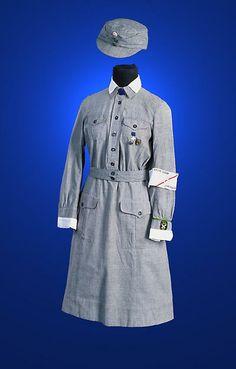 Sotavuosien vaatetus