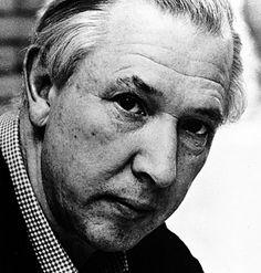 Hans J Wegner (1915–2007)