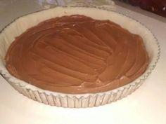 Foto del paso 6 de la receta Tarta de coco y dulce de leche Pie Dish, Coco, Desserts, Sweet Treats, Jelly Beans, Tart Recipes, Buns, Homemade, Tailgate Desserts