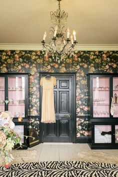 pearl lowe home interior House Of Hackney Wallpaper, Marble Effect Wallpaper, Pink Cabinets, Black Cabinets, Pearl Lowe, Deco Cool, Antique Cupboard, Media Room Design, Dado Rail